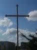 Nowy krzyż przy kościele